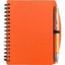Cuaderno con diseño en espiral y bolígrafo. Formato A6   65 páginas alineadas   8035139 Naranja
